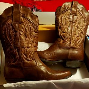 Cowboy Boots Size 10W